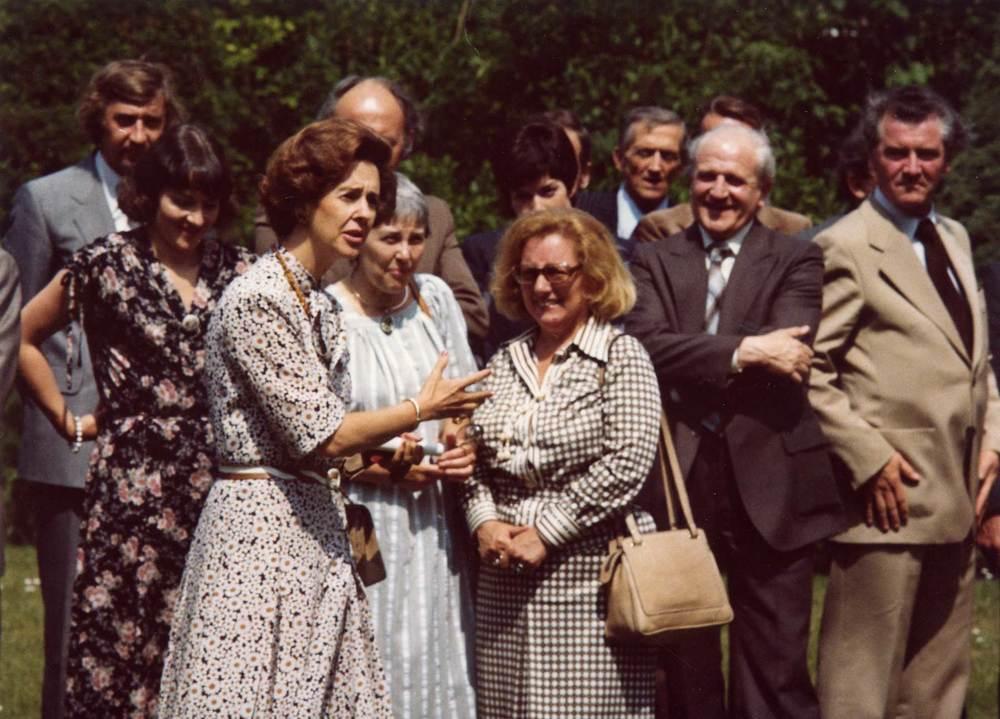 Koningin Fabiola ontmoet Vlaamse dichters