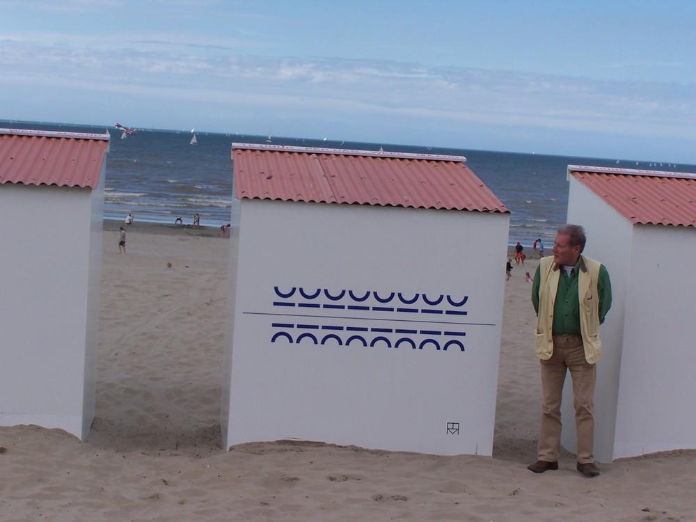 Gedicht van Renaat Ramon op een strandcabine in Nieuwpoort
