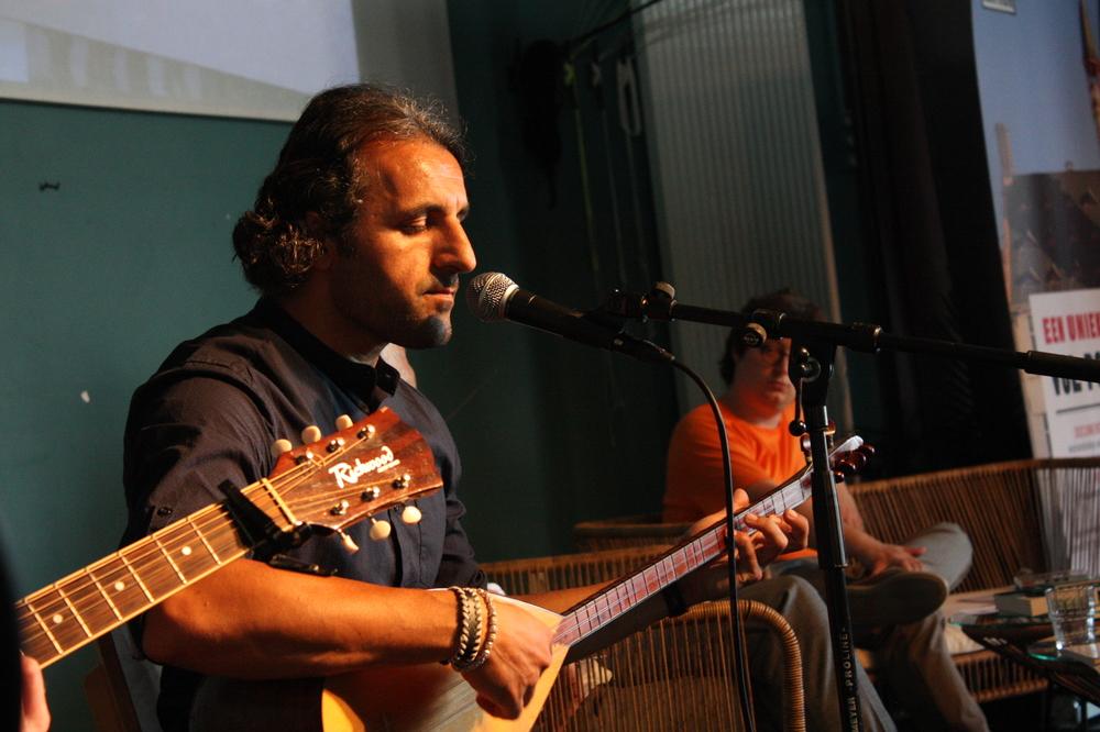 Ahmed Roni & Friends op Apéro Poëzie #1 tijdens TAZ 2018