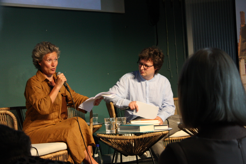 Simone Milsdochter op Apéro Poëzie #2 tijdens TAZ 2018