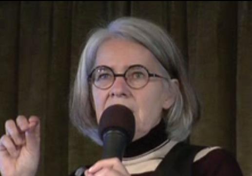 Antjie Krog leest het gedicht 'Om te ver-jy' tijdens Poëzie Rendez-Vous