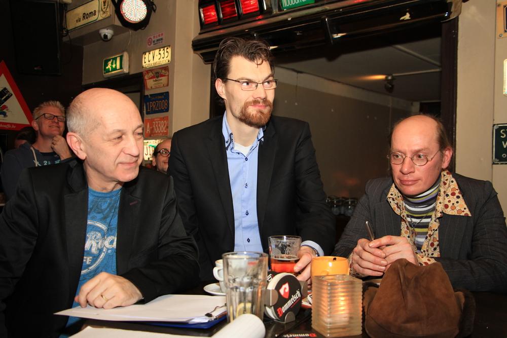 DichtSlamRap2015- de jury. Vlnr Marcel Linssen, Roel Weerheijm en ACG Vianen.JPG