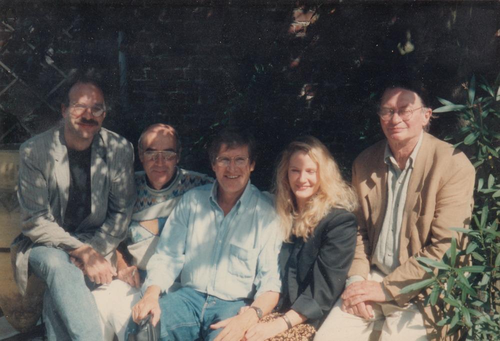 Benno Barnard met Joy, Harman de Coninck, Eddy van Vliet en Remco Campert op Watou