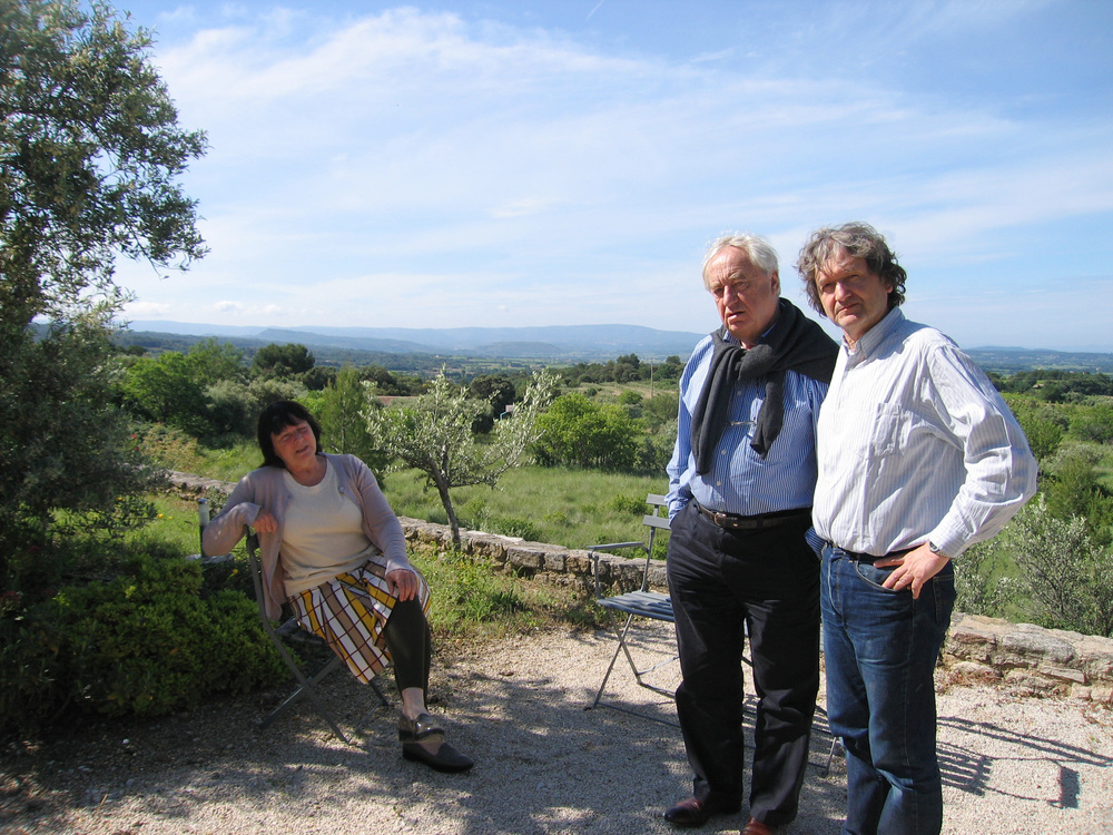 2008 met Simone en Cees Nooteboom in Crillon le Brave.JPG