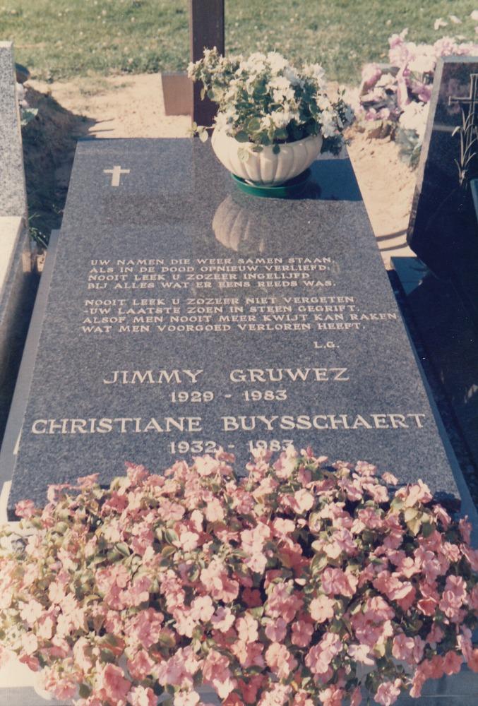 Het graf van de ouders van Luuk Gruwez