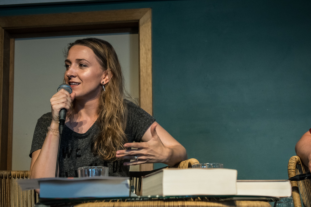 Alicia Gescinska op Apéro Poëzie #5 tijdens TAZ 2018