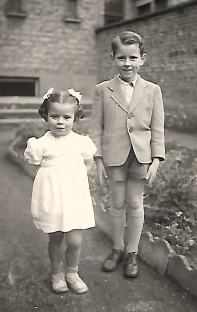 Stefaan van den Bremt en zijn zusje Rita
