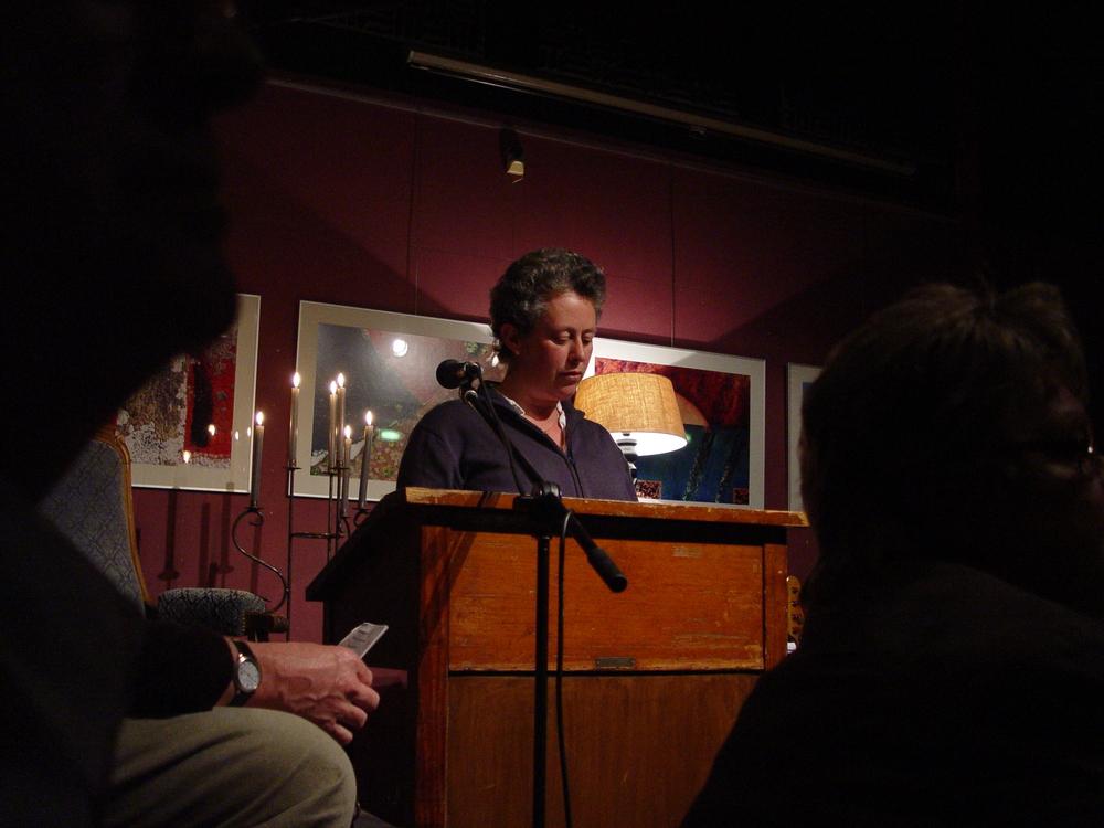 Poezieavond 2008 Voordracht Anne Hanse.jpg