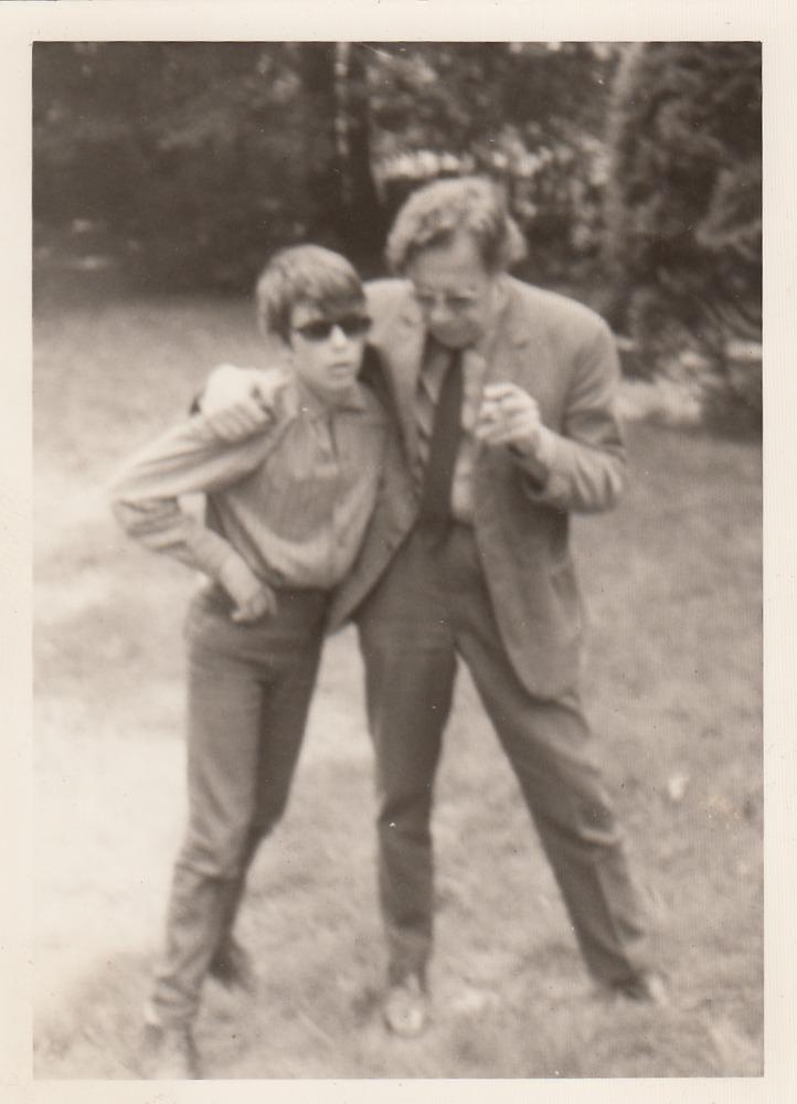 Benno Barnard en zijn vader in 1969