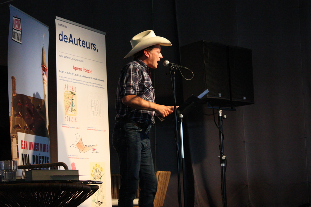 Christophe Vekeman op Apéro Poëzie #3 tijdens TAZ 2018