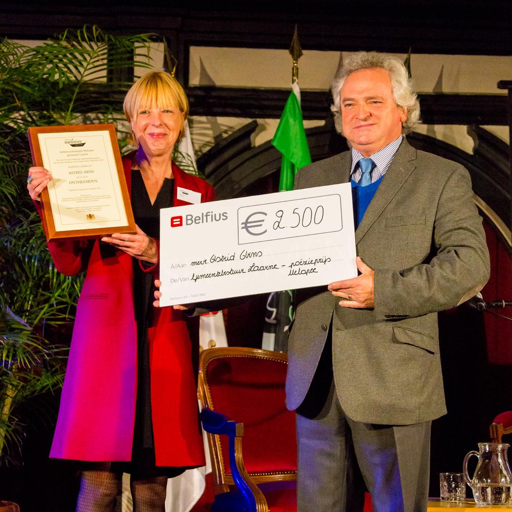 Astrid Arns en burgemeester Ignace De Baerdemaeker.jpg