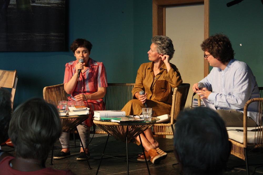 Simone Milsdochter & Kira Wuck op Apéro PoPezie #2 tijdens TAZ 2018