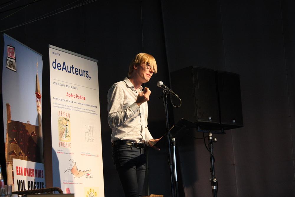 Laurens Ham op Apéro Poëzie #3 tijdens TAZ 2018