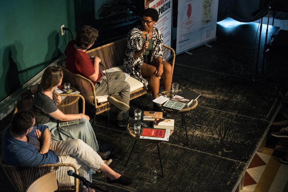 Simone Atangana Bekono, Peter Verhelst en Alicia Gescinska op Apéro Poëzie #5 tijdens TAZ 2018