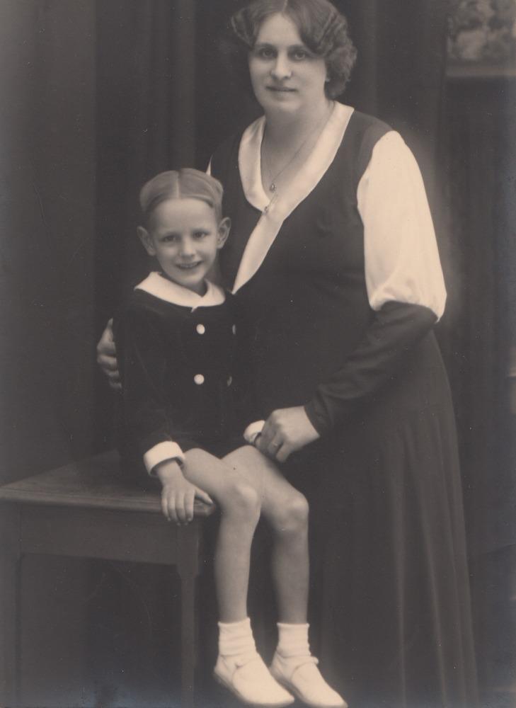Oma Margriet met haar zoon Jimmy Gruwez