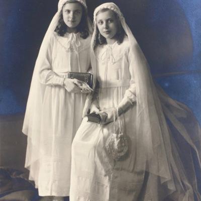 D'haen en haar zus Plechtige Communie 1936